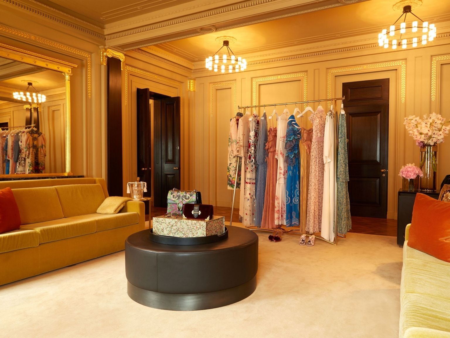 fashion now service at Hotel Cafe Royal
