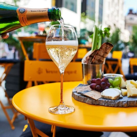 green bar summer terrace with veuve clicquot hotel cafe royal london 2019